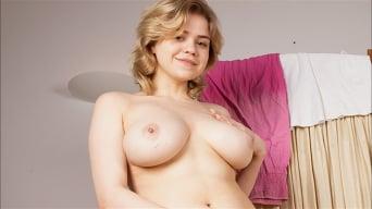 Bella Breeze in 'Big Tit Play'
