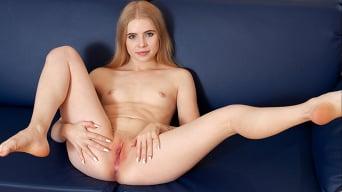 Gwen in 'Shyly Sweet'