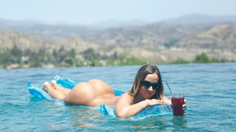 Jada Stevens in 'Poolside Pounding'