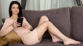 Julia James in 'Send Nudes'