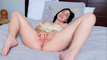 Remi Jones in 'Teen Orgasm'