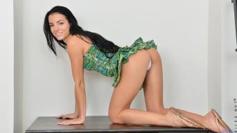 Sapphira in 'Show It Off'