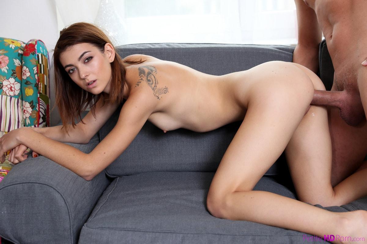 Petite Girl Tera Link Sends Hot Selfies To Seduce A Man She's Wants To Fuck
