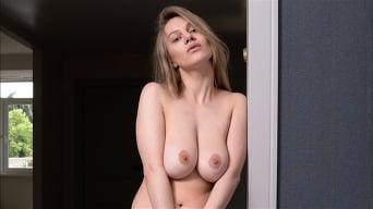 Valerie Duval in 'Curvaceous Cutie'